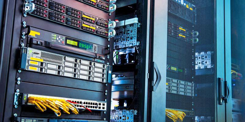 سخت افزار اتاق سرور